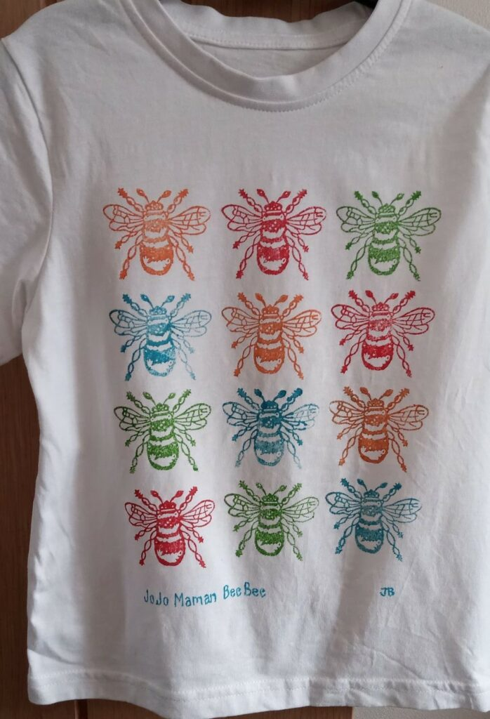 This image has an empty alt attribute; its file name is web-pic-bee-t-shirt-698x1024.jpg